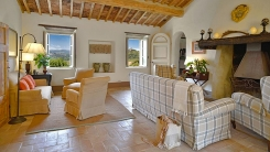 008-Living-Room-Montecucco.jpg