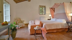 013-Double-Bedroom-Montecucco.jpg